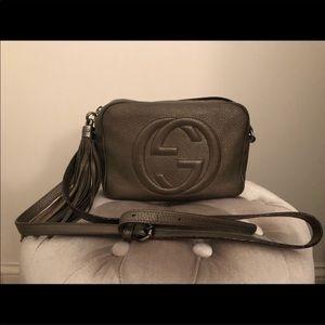 Gucci soho small leather disco bag.